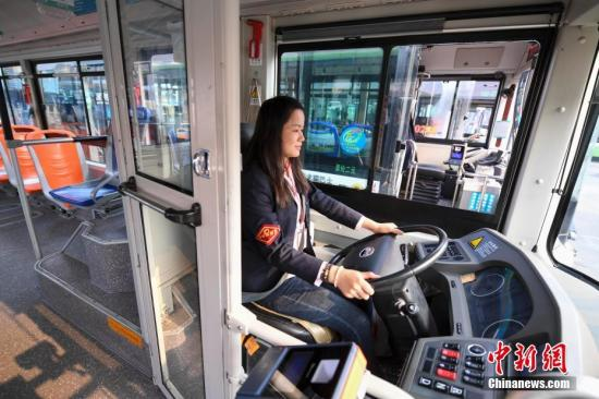交通运输部:鼓励城市公共汽电车安全防护隔离设施