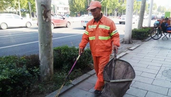 淄博环卫工人李希祥:爱好写作 6年创作90多首诗歌