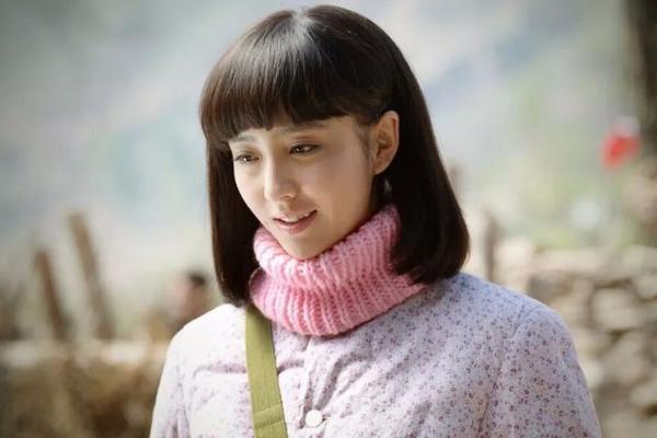 她是演员也是充满正能量的文艺工作者,她叫佟
