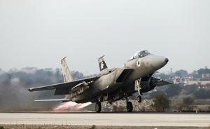 来自加沙的火箭弹袭击特拉维夫后,以色列开始对加沙实施轰炸