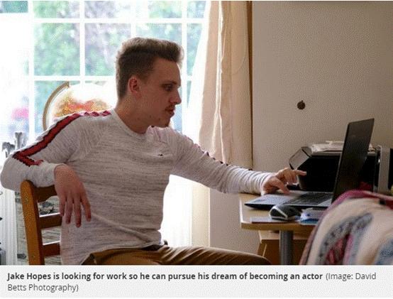 英国找工作有多难?男子两年应聘400余次未果