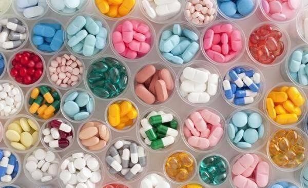 药品管理法修订草案三审:完善有关处罚、赔偿规定