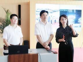 共青团山东省委书记刘天东到济南报业集团考察