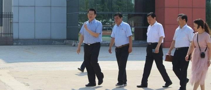 教师节前夕,张新文、陈平走进校园,看望慰问一线教职员工!