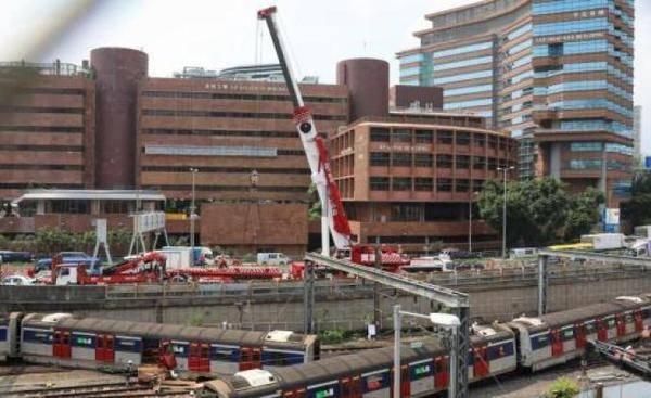 林郑月娥发文慰问港铁出轨受伤乘客,要求全面调查