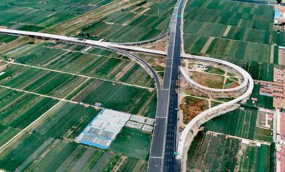 提前完工!青岛新机场高速主体贯通