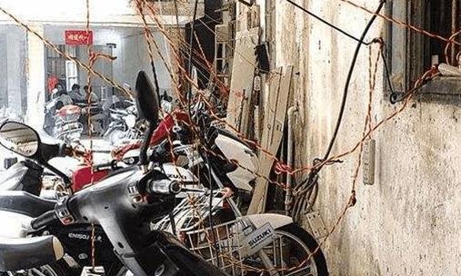 小偷偷电瓶被电死,家属向车主索赔20万,法院判了