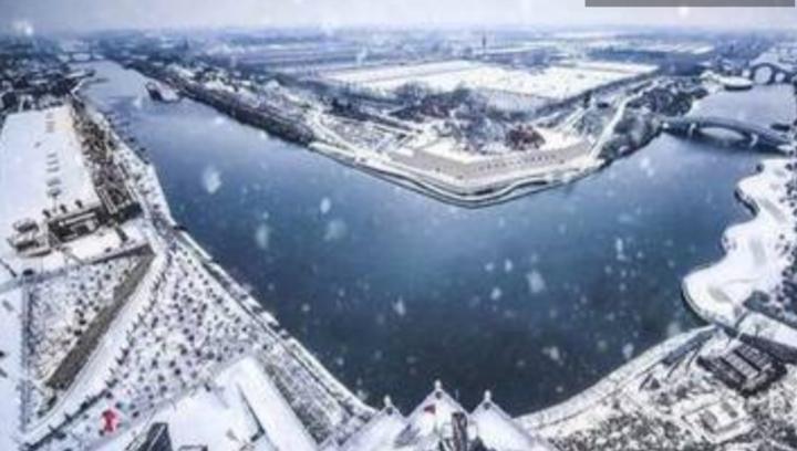 果然视频|震撼航拍雪后古城