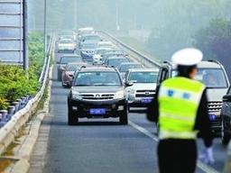 脱审车上路被精准拦截!济南4704名违法大户已被布控