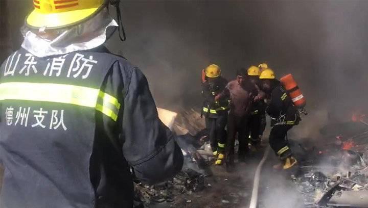 帅气+感动!德州消防救出火场人员,群众大声叫好!