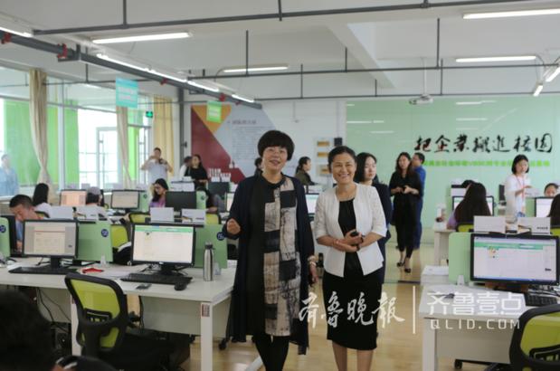 5月16日上午,石家庄财经职业学院副院长刘朝英等一行9人来山东外国语职业学院考察交流。