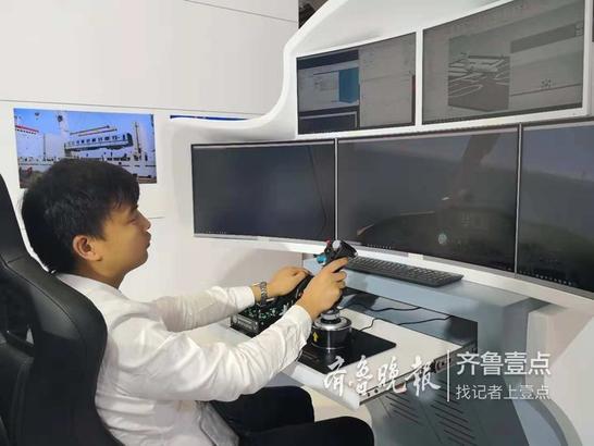 驾驶员在环模拟器,模拟真实环境培训飞行员。这套系统可在多种场景应用,企业学校,一切实验都可虚拟。