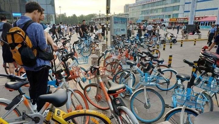 果然视频|素质呢?济南火车站共享单车又凌乱了