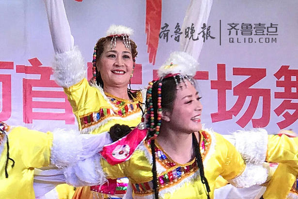 队员们整齐的动作、动感的旋律、飘逸的舞步,让在场的观众感受到了新时代薛城人的活力和风采。
