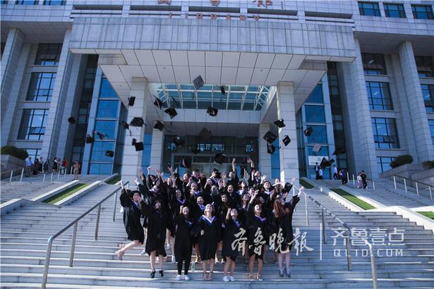 夏至已至,毕业季如火如荼。本期最美毕业季投稿来自齐鲁工业大学汉语国际教育专业毕业生。