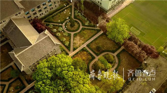 它充满中国传统文化的底蕴,也是山师毕业生们的骄傲。