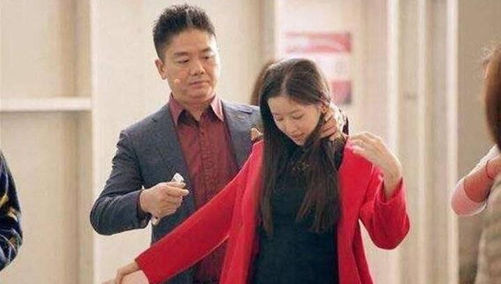 """各位怎么看?刘强东回应""""不知妻美"""":我真心脸盲"""