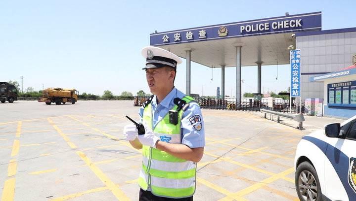 果然视频|记者带你进警营,体验不一样的高速交警