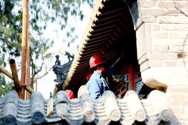 急速赛车8码必中:厉害!济南华阳宫保存完好的盖头钉,两三百年都没生锈